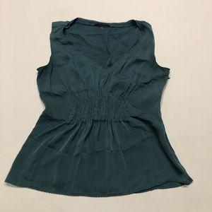 🍀 Elie Tahari green silk blouse XS